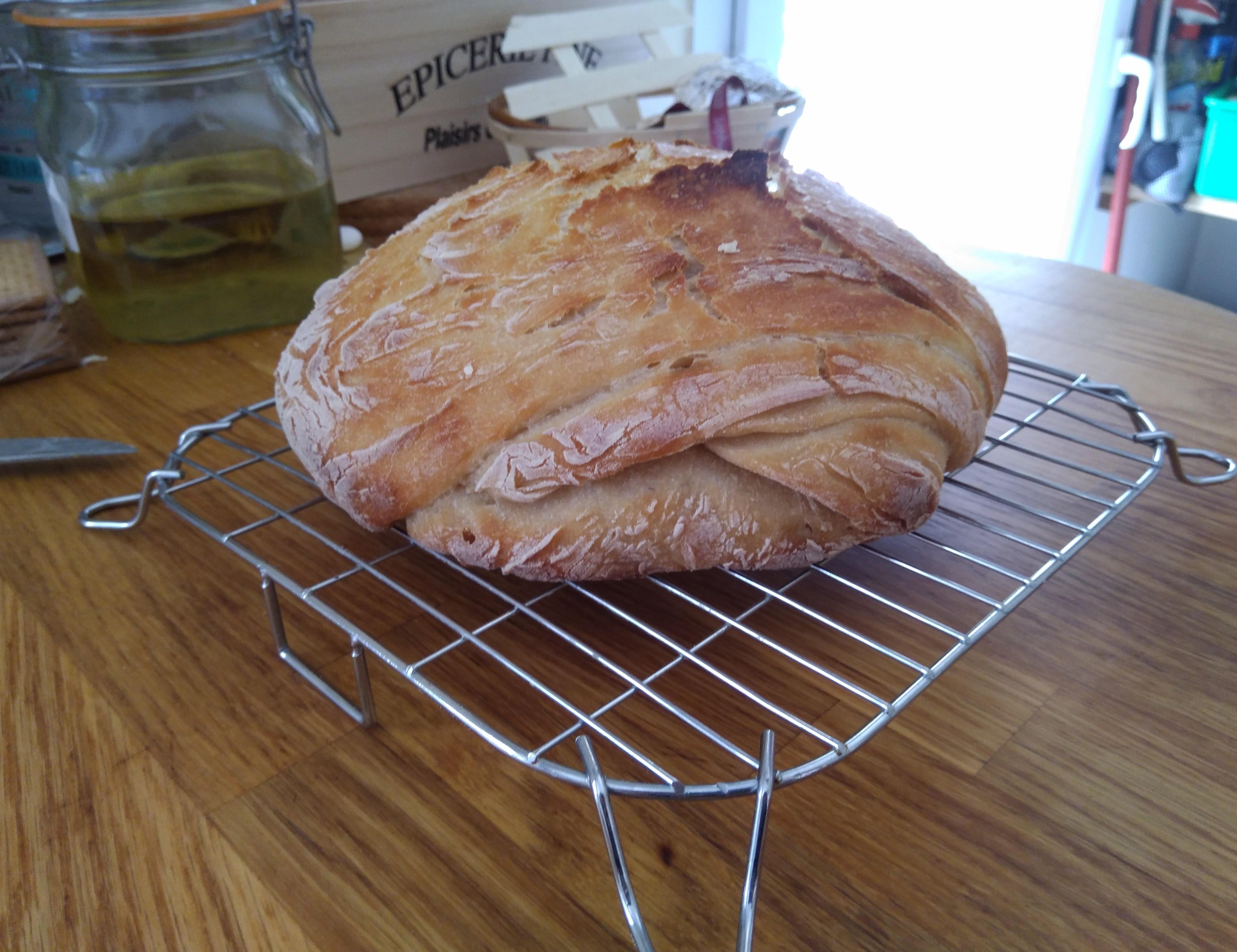 Le pain refroidit un peu